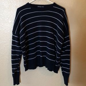 Brandy Melville Navy and White crew neck sweater